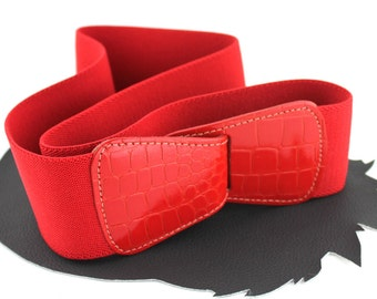 Red Faux Crocodile & Elastic Belt - size Medium / Large