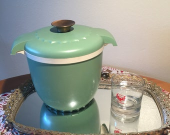 Vintage Ice Bucket with Lid, Avacado Green, Made by Victory Plastics