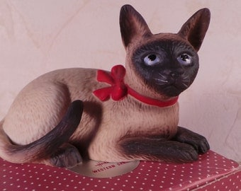 SIAMESE Cat Figurine- Porcelain SCHMID Gordon Fraser Cat Figurine, Vintage Decor,  1984 Saimese Cat  Red Bow Orginal Box