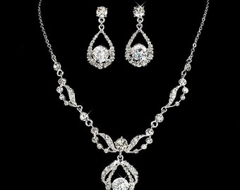 Elegant Sparkly Two-piece Crystal Necklace Set