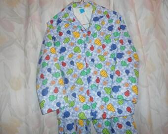 Size 7 Boys Pajamas with Fish on Blue/White Bubble Background