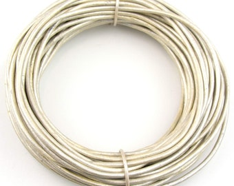 Pearl Metallic Round Leather Cord 1.5mm 10 Feet