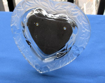 Retro Heart Shaped Frosted Glass Picture Frame TLC