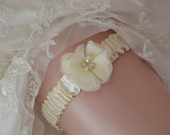 Ivory Wedding Toss Garter,Bridal Garter,Shabby Chiffon Flower Toss Garter, Ivory Toss Garter