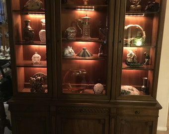 Large Henredon Neo Classic Cherry 12 Lighted Shelves China Display Cabinet