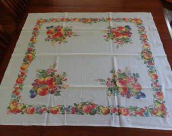 Beautiful Vintage Printed 50's Kitchen Tablecloth Fruits Table Linens