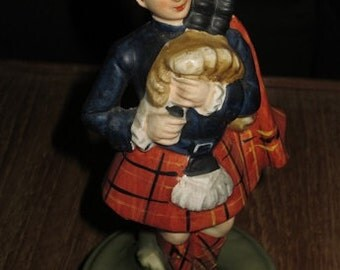 Vintage Collectible Scottish Bag Piper Musical Box Rotating Figure , Auld Lang Syne ,