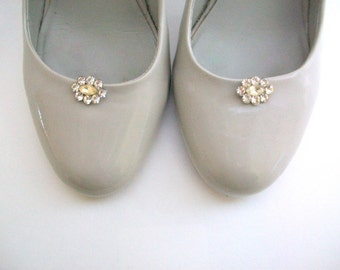 Vintage Shoe Clips, Rhinestone Shoe Clips, Tiny Shoe Clips, White Shoe Clips, Wedding Shoe Clips, Shoe Clips, Shoe Accessories, Bridal Clips