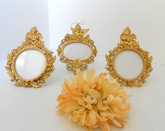 2 round picture frames gold frame decorative photo frames 1 oval picture frame holds 25x35 photos ornate picture frames photo frame