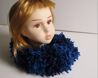 Poodle Yarn Knitted Ruffle scarf, Infinity scarf, Fashion scarf, Fluffy Scarf, Winter scarf, Winter accessories, Winter Fashion, Blue