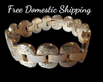 Gold Tone Bracelet, Textured Bracelet, Gold Tone Textured, Gold Tone Link Bracelet, Link Bracelet, Vintage Bracelet, Free US Shipping,