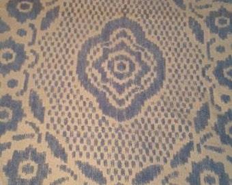 101x96 Chenille Beautiful White/Blue Bedspread