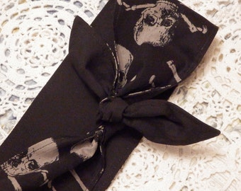 Rockabilly Headscarf - Rocking Skulls