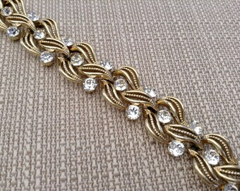 Lisner Rhinestone Gold Tone Leaf Bracelet