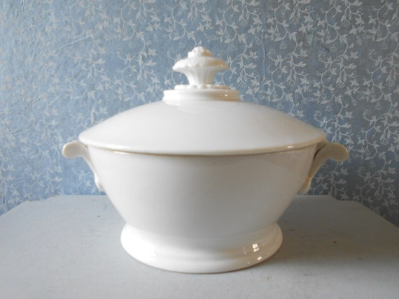 Gorgeous French Antique Tureen French Porcelain Dish table
