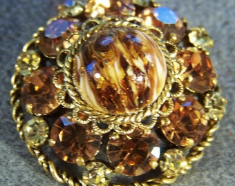 Vintage Shades of Amber Bold Round Rhinestone  Etched Scrolled Domed Pin Brooch Jewelry **RL