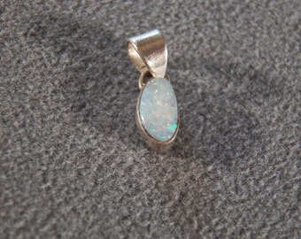 Vintage Sterling Silver 3 Grams Genuine Opal Pendant Charm, A Charming Sweet Design!~~ **RL
