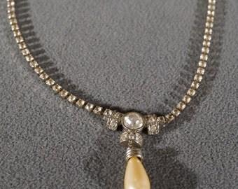 Vintage Art Deco Style Silver Tone Rhinestone Faux Pearl Dangle Bib Style Necklace Jewelry    K#34