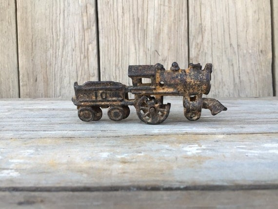 Nycrr Cast Iron Train: Vintage Cast Iron Train Metal Toy Train