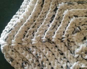Large White/Gray Crocheted Hot Pad with Ridges