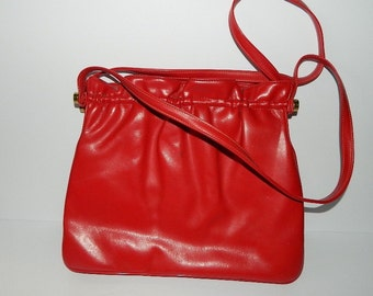 Vintage 1960s Lipstick Red Leather Shoulder Bag