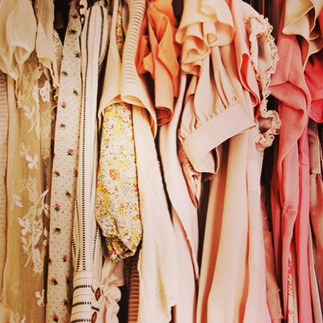 selling vintage clothes
