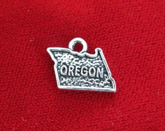 "BULK! 30pc ""Oregon"" charms in antique silver (BC811B)"
