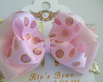 First Birthday hair bow in  Pink and  Gold Birthday Hair Clip / Birthday Headband for baby ,  infant , toddler . Bow gold pink birthday