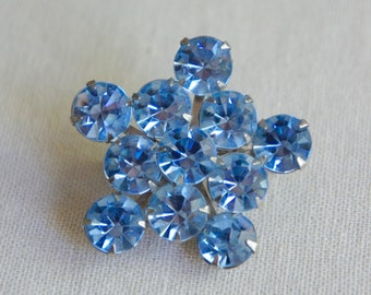 Blue rhinestone brooch vintage blue pin blue crystal pin light blue brooch vintage rhinestone brooch from The Jeweler's Wife