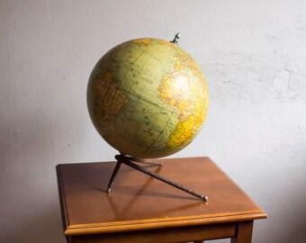 Globe Dalmau Carles Pla 40's.