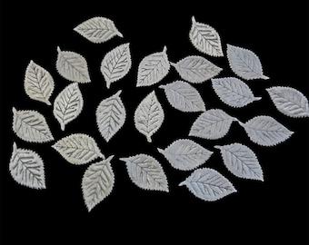 White Leaves appliqué
