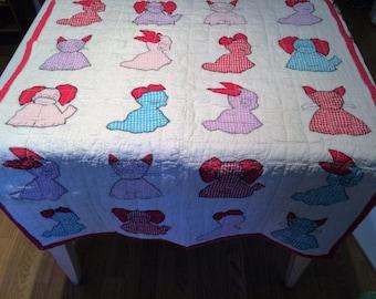 1940s Appliqued Animal Baby Quilt Crib Quilt