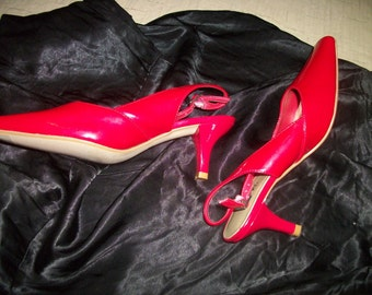 Retro 90s Bright RED PATENT SLINGBACK Pumps, East 5th Ave, 6 M