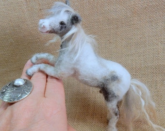 Custom felted horse replica poseable horse soft sculpture needle felt horse lover gift wool horse sculpture equestrian gift for horse rider