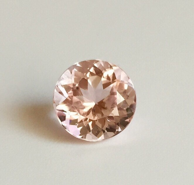loose round morganite stone not heated rich pink natural