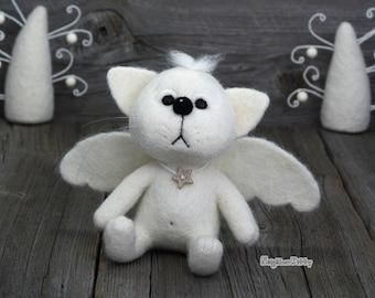 Needle felted white Angel Cat - Needle felted animal - Felting -   Soft sculpture - Fiber art - Home decor - Gift.