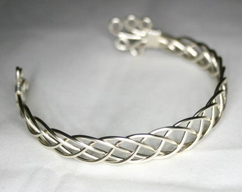 Karen - A Celtic Bracelet, Wire Wrapped Bracelet, Wire Wrapped Bangle, Wire Wrapped Jewelry, Silver Bracelet, Gift For Her
