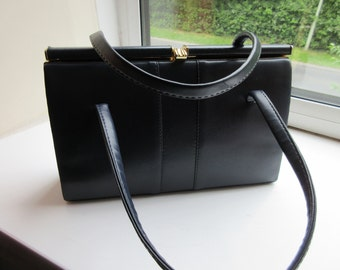 Vintage 1960's Navy Blue Kelly Style Handbag Made In  England By 'Littlewoods' - Lovely!!