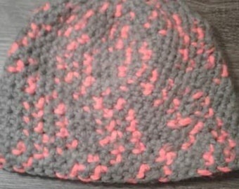 Large man's hat with reflective yarn