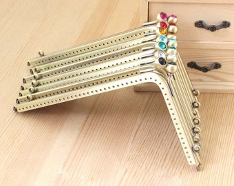 1 PCS, 18.5cm *11cm / 7.3 * 4.3 inch, Beaded Triangle Brass Purse / Kisslock Frames, K365