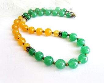 Two tone stone necklace, agate beaded necklace, yellow green necklace, gemstone beaded necklace, italian jewelry