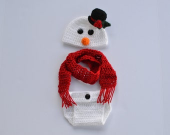 Handmade crochet baby snowman hat, scarf and diaper cover; photography prop; Frosty the snowman; Christmas card picture; holiday hat; beanie