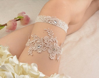 white bridal garter, white lace garter,wedding set  wedding garter, bride garter,, vintage garter,