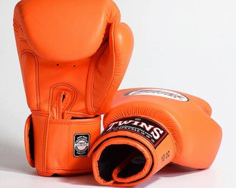 Cow Hide Leather Gel Boxing Gloves Training Gloves Muay Thai Twins Special