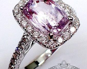 Untreated Sapphire Ring, 18 kt 2.71 ct Lavender Cushion Cut Natural Sapphire - 3086
