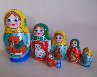 Russian matryoshka,matryoshka village.Dolls with cat.Brand new made in Russia.Set of 7 PCs 15 cm.