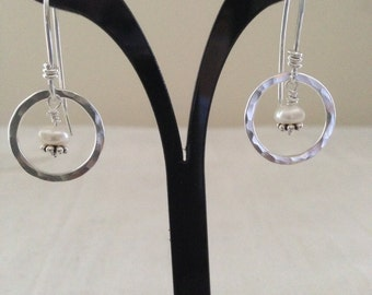 Silver Hammered Dangle Earring with Pearl