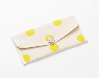 Envelope shape passport case / Polka dot - Color options