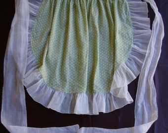 Vintage Half Apron, Ruffled Edge with pocket 1950's