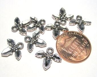 10pcs Antique Silver Small 3 Leaf Charm Pendants 12mm
